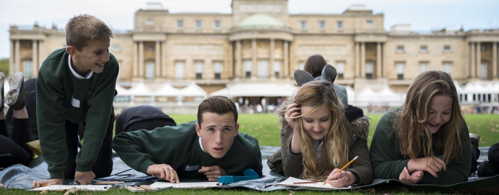 Pupils drawing in Buckingham Palace Garden