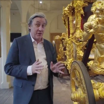 Andrew Graham_Dixon in front of the Gold State Coach