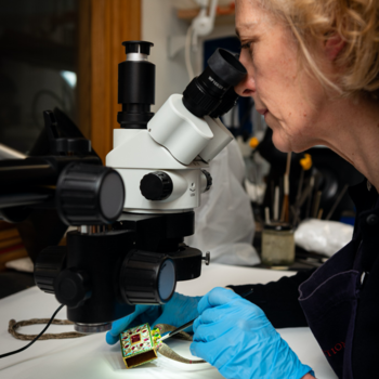 Conservator securing the enamel surface
